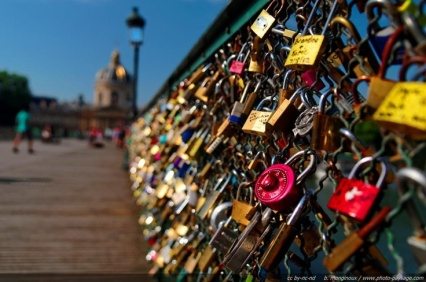 Image result for pont de arts with friends tumblr