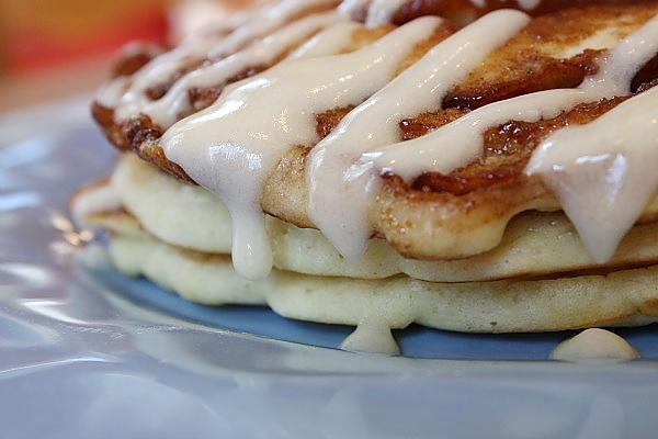 Cinnamon-Roll-Pancakes-6